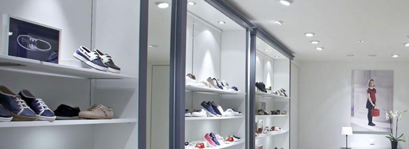 JACADI, a Parigi il primo negozio di calzature.