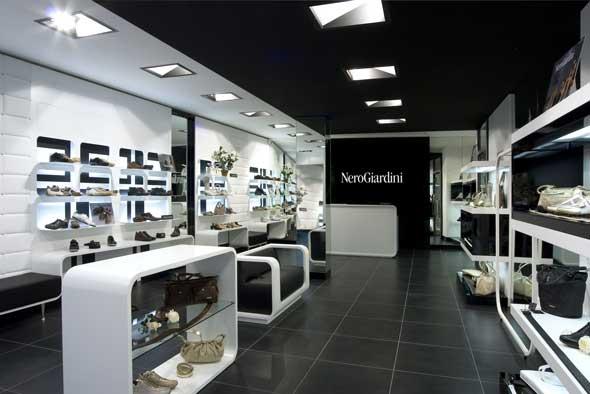 Nero Giardini concept store