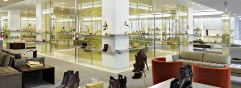 BARNEYS, presenta il restyling del reparto calzature.