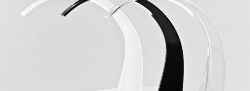 Due nuovi prodotti KARTELL: la lampada Taj del designer Ferruccio Laviani, e il tavolo Invisible Side del designer Tokujin Yoshioka.