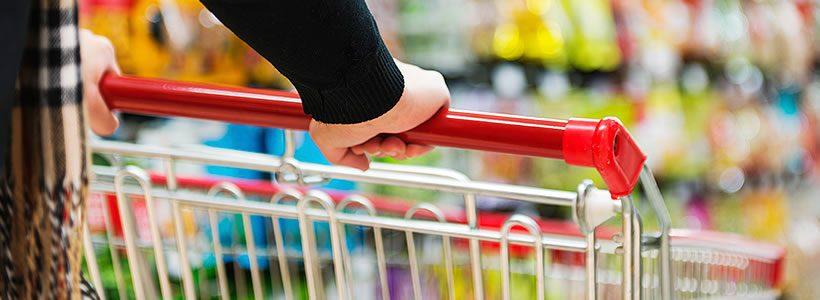 Distribuzione: meno commercianti fissi, più ambulanti ed e-commerce.