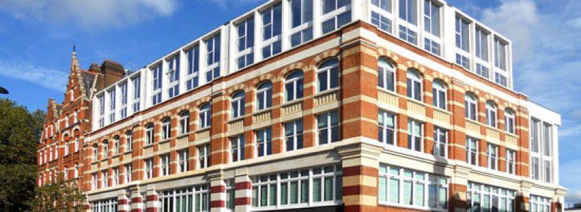 """LUCENTE e MIZAR illuminano il nuovo concept store """".IT"""" All About Design a Londra."""