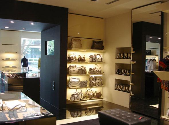 CRC sistemi di arredamento per negozi