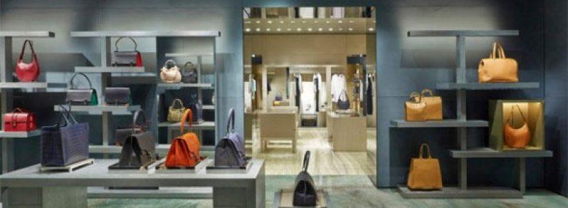 ARMANI: con l'apertura del nuovo store in Avenue Montaigne salgono a 7 le boutique parigine.