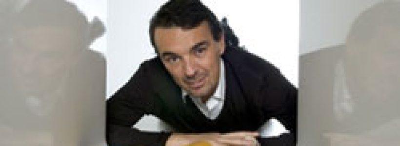 PIQUADRO: Karim Azzabi firma il monomarca di Parigi.