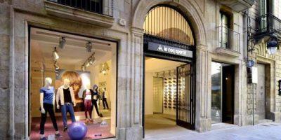 LE COQ SPORTIF: primo flagship store a Barcellona.