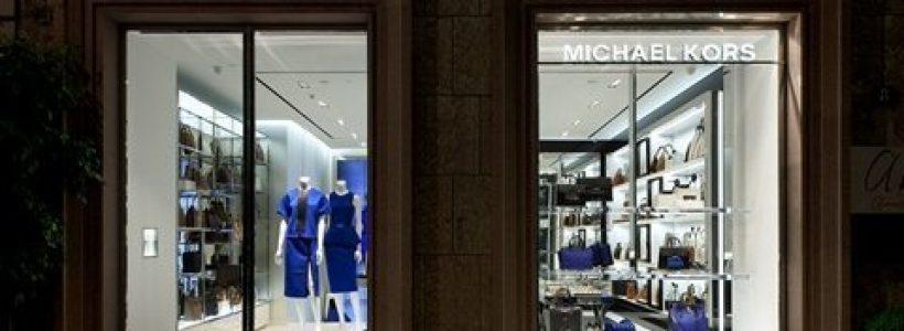 Due boutique a Milano per MICHAEL KORS.