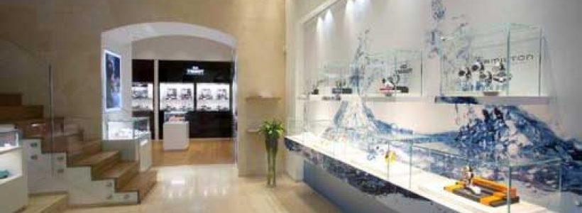 SWATCH compie 30 anni e festeggia con una nuova boutique a Roma.