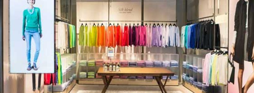 """United Colors of Benetton and the shop that transforms itself  WELCOME TO """"ON CANVAS"""""""