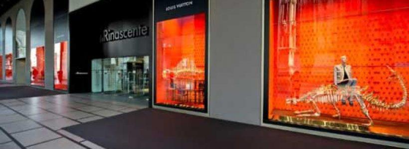 LOUIS VUITTON: A La Rinascente di Milano le vetrine dedicate alla preistoria.