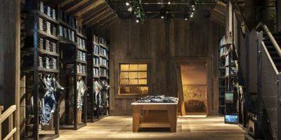 The Stage, il nuovo Flagship Store REPLAY di Milano.