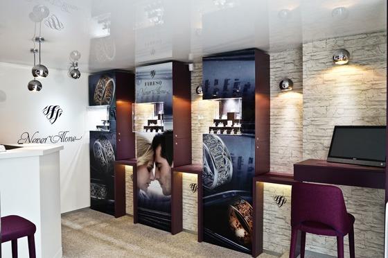 Il progetto per la gioielleria Firesq porta la firma dello Studio GLAMSHOPS