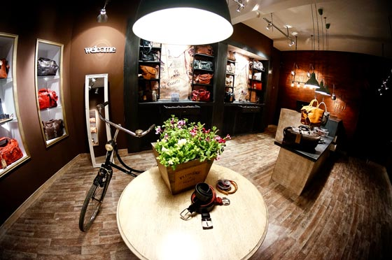 Glamshops Studio developped a new concept for Menhard Store