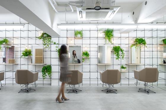 Re:SONO - Once a Week è il nome del progetto ideato dallo Studio Yamazaki Kentaro Design Workshop di Tokyo, per un salone di parrucchiere nella città di Shinigawa in Giappone.