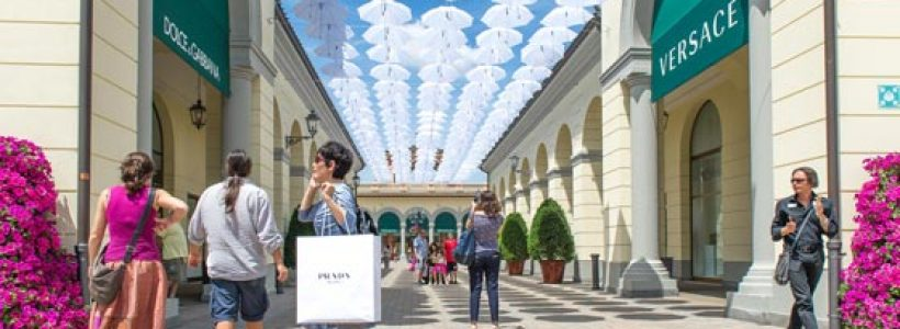 Can outlet and visual merchandising coexist?