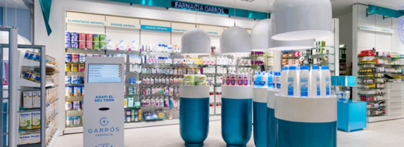 """GARRÓS PHARMACY """"a bond, pills and 24 hours of action"""""""