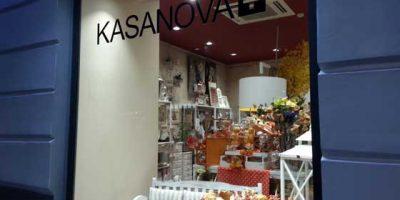 KASANOVA+ apre in via Toledo a Napoli.