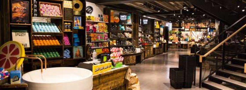 LUSH riapre, completamente rinnovato, il negozio di Pisa.