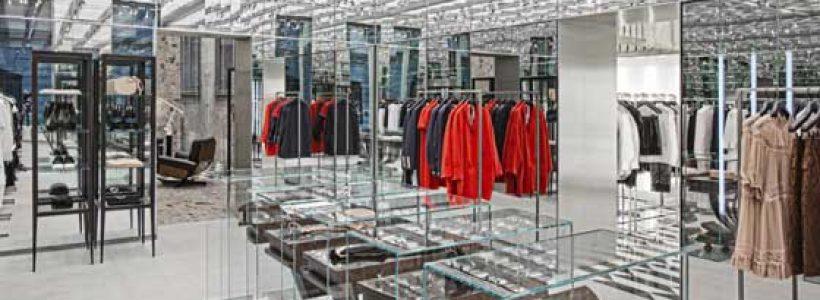 N°21 apre a Milano il suo primo flagship store in Italia.