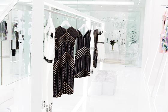 Vanessa Gounden opens her flagship store at 55A Conduit Street in London and choses Effebi as her partner for shopfittings.