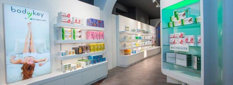 CEFLA Shopfitting a Cosmofarma. La farmacia smart è servita!