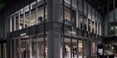VALENTINO apre il suo primo flagship store a Tokyo.