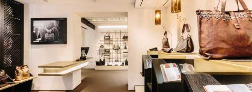 Pier Currà disegna il nuovo flagship store di Campomaggi a Milano.