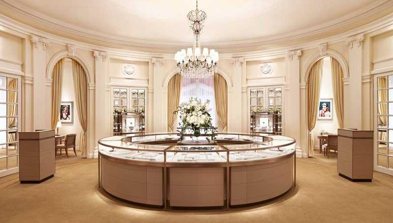Cartier riapre la storica boutique newyorkese all'angolo tra la Fifth Avenue e la 52esima strada