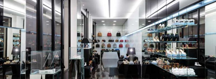 In the heart of Paris Linea Light Group lights up the Walter Steiger boutique