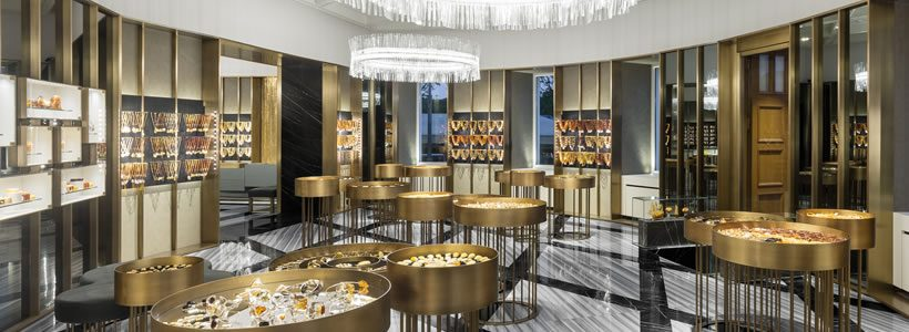 In Saint Petersburg the first AMBER&ART flagship.