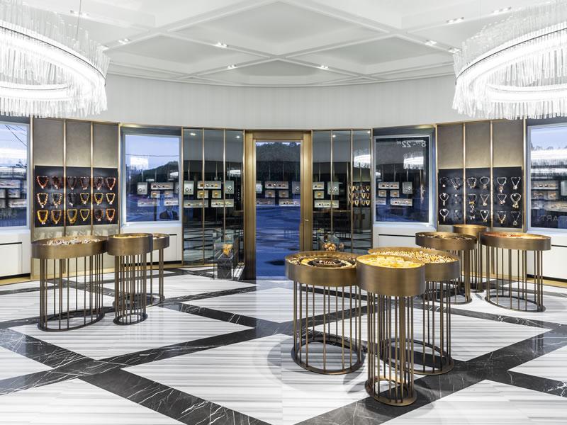 Piuarch retail design Amber Art san pietroburgo