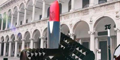 SEPHORA presenta al Fuorisalone un'iconica istallazione per celebrare l'interazione tra bellezza, arte, design e tecnologia.