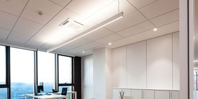 ULTIMA+ di Armstrong Building Products arreda la nuova prestigiosa sede TWINSET a Carpi.