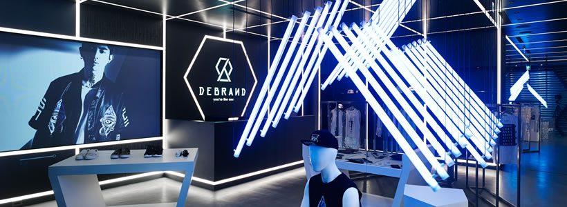 I designers di Michelle Wei progettano la boutique DEBRAND di Taipei.