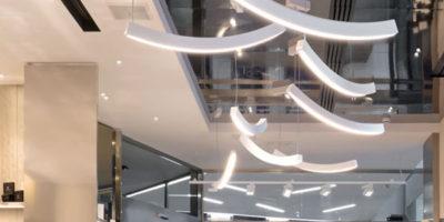 Iginio Massari sceglie BUZZI & BUZZI per la luce della nuova pasticceria di Milano.