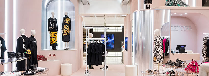 VALENTINO un pop-up store di prestigio da Printemps.
