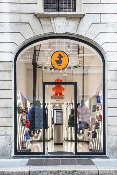 negozio monomarca SAVE THE DUCK Milano