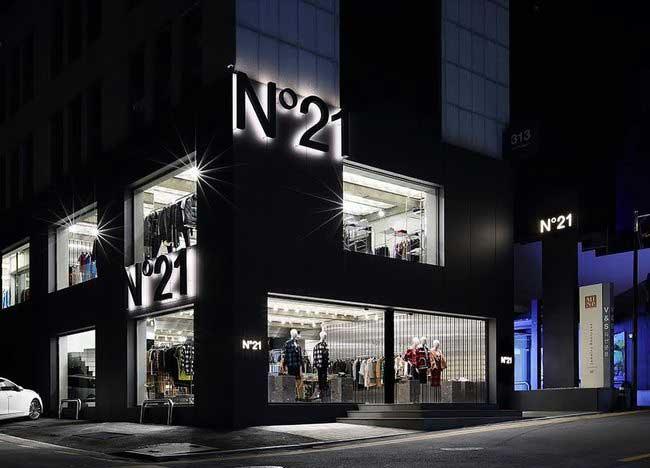 N°21 flagship store Seoul Corea