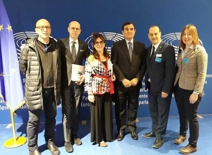 Giuseppe Pasquarella riconfermato Presidente dell'Associazione Vetrinisti e Visual Europei
