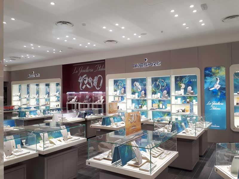 La boutique Bluespirit di Roma nel centro commerciale Euroma2