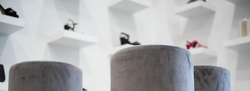 ALAPAR Estudio designed the ÓPALO boutique in Tafalla.