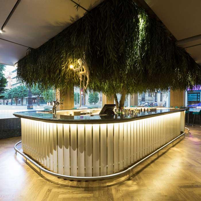 Persevera Producciones designed the interiors of Seis Restaurant in Sevilla