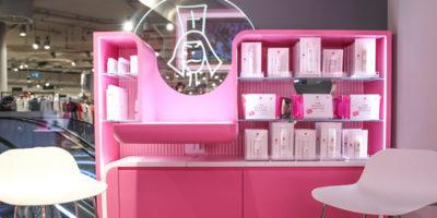 L'Estetista Cinica apre un corner shop alla Rinascente di Milano.