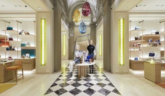 LOUIS VUITTON rinnova la boutique di Firenze.