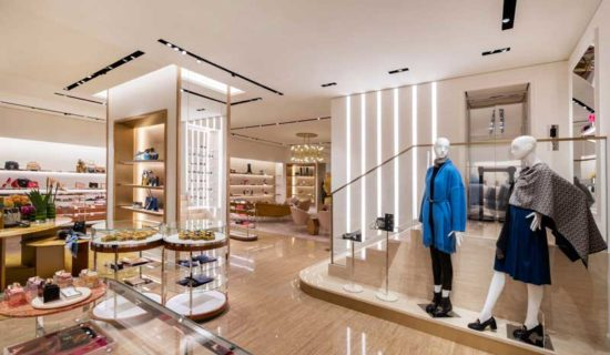 Nuovo flagship store di Salvatore Ferragamo all'interno del China World di Pechino.