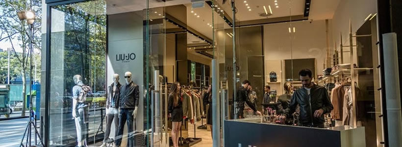 Interminable Saliente dominar  Liu Jo Uomo apre una boutique monomarca a Barcellona. | AN Shopfitting  Magazine