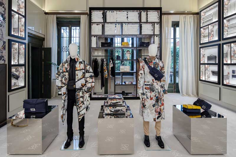 Fendi pop up store via Montenapoleone Milano