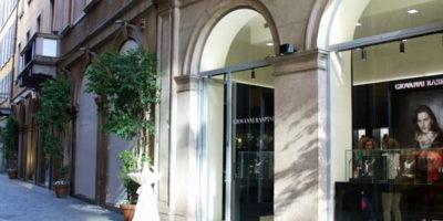 GIOVANNI RASPINI: salgono a due le boutique di Milano.