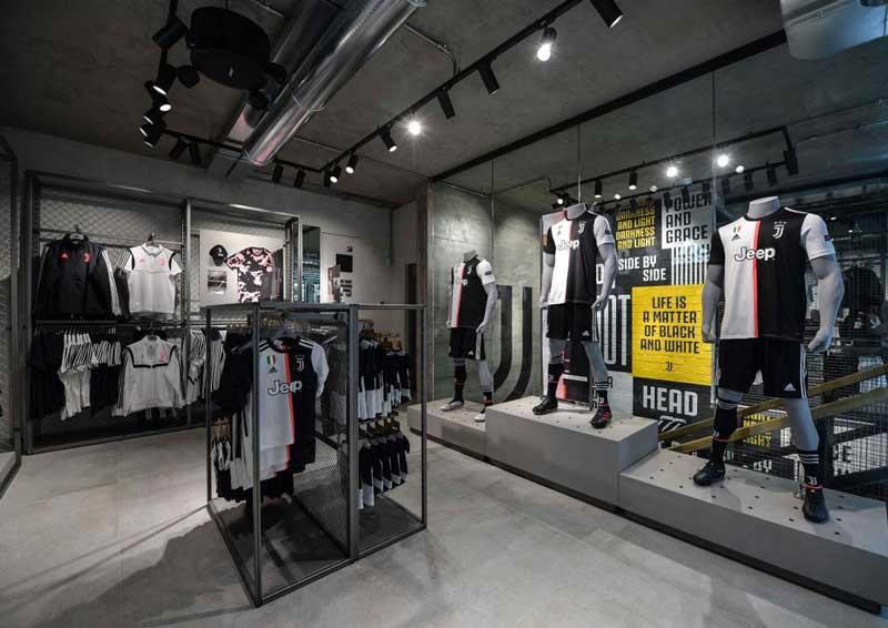 nuovo Juventus store Milano