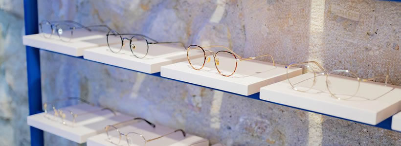 PARISBROOKLYN designed the With Marlow Optician  in Paris.